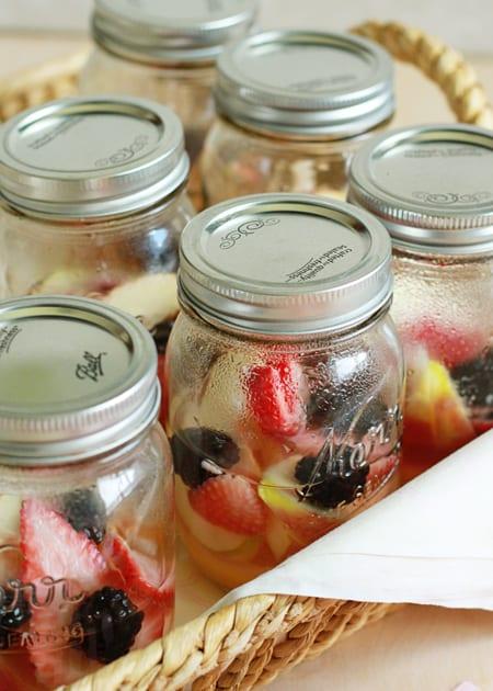 Individual-Berry-Lemon-Sangria-in-a-Jar.jpg